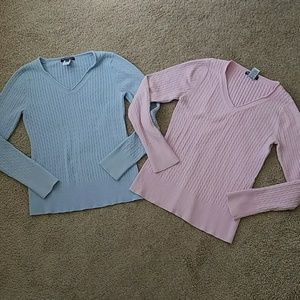 Bundle of 2 maternity cable knit vneck sweaters